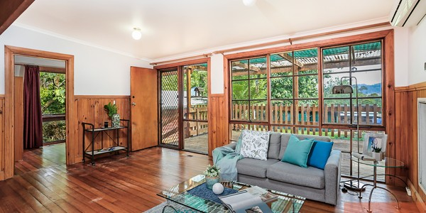 1221 Mount Dandenong Tourist Road