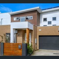 https://assets.boxdice.com.au/morrisonkleeman/rental_listings/2463/11ba269a.jpg?crop=200x200