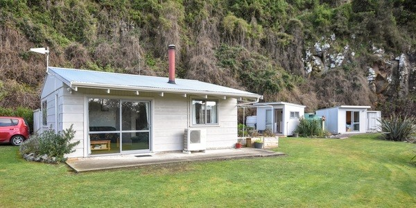 13-15 Mihiwaka Road, Dunedin