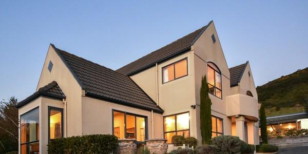 18 Ribbonwood Close, Dunedin