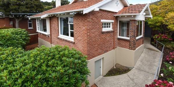 138 Signal Hill Road, Dunedin