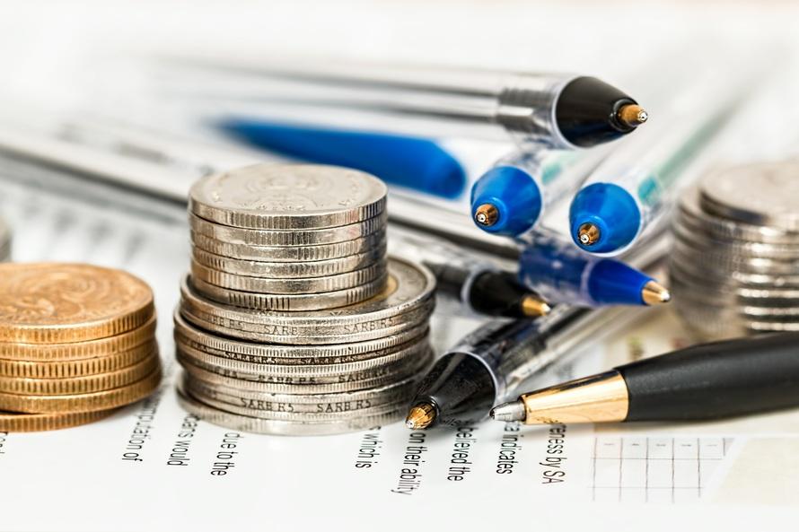 https://assets.boxdice.com.au/one-agency/attachments/cee/650/coins_pens.jpg?7818e26373b667bc6c3a3bb57cdab713