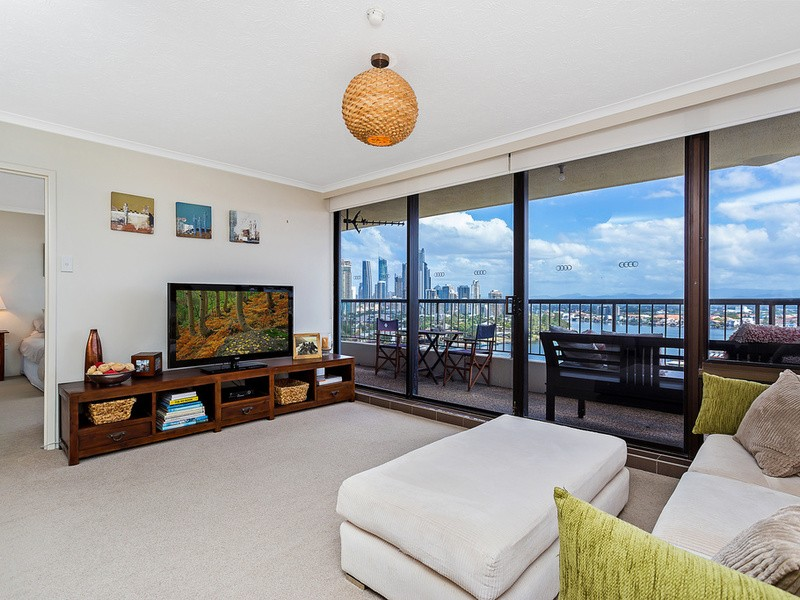 69/5 Admiralty Drive, Main Beach Residential Apartment
