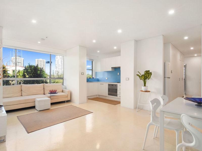 2/15 Pacific Street, Main Beach Residential Apartment
