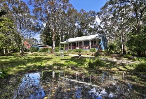 18 Moss Vale Road, Kangaroo Valley