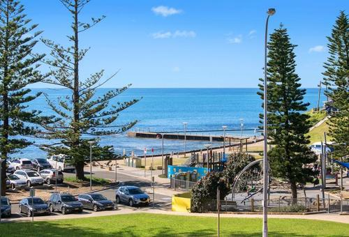 1069-1071 Pittwater Road, Collaroy