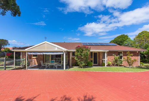 1 Faust Close, Mollymook