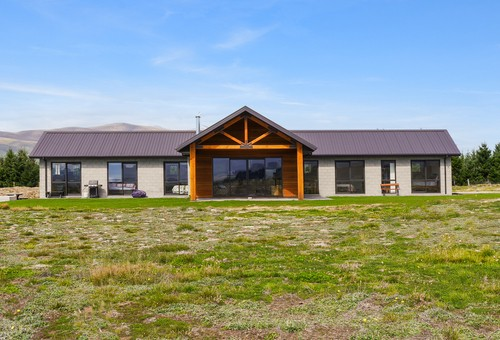 37 The Drive, Twizel