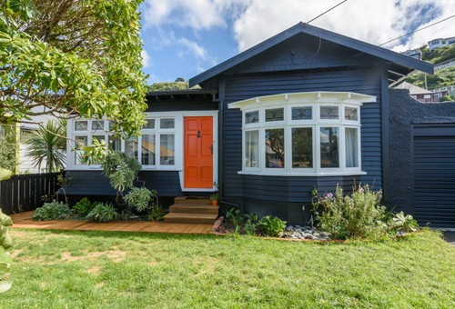 148 Queens Drive, Lyall Bay