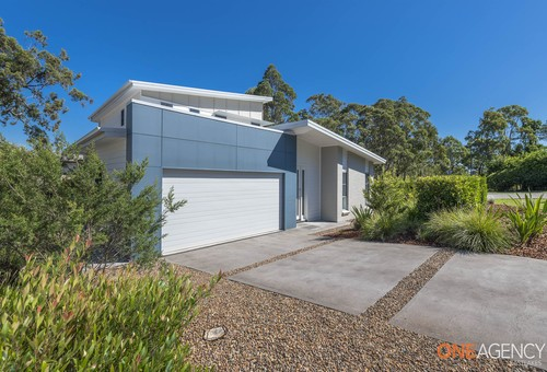 2 Lake Forest Drive, Murrays Beach