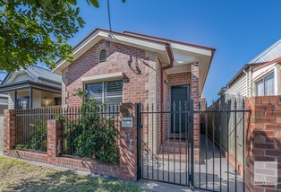 31 Holt Street, Mayfield East