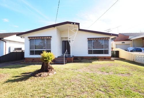 8 Annette Street, Cabramatta West