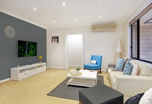 2/9A Figtree Crescent, Figtree