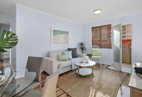 5/6 Grafton Crescent, Dee Why