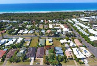 10 Third Avenue, Coolum Beach