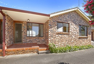 2/111 Balgownie Road, Balgownie