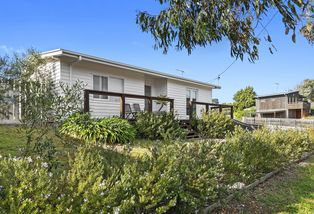 48 Sunset Strip, Jan Juc