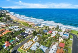 9 The Breakers Road, Thirroul