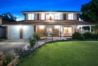 11 Whitley Place, Abbotsbury