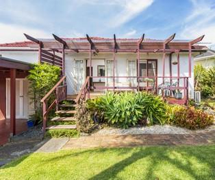 2/66 Miller Road, Auckland