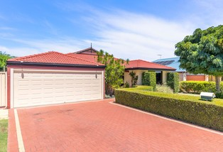 4 Excelsior Drive, Canning Vale