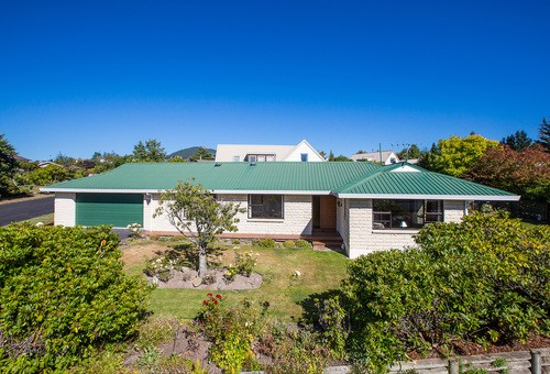 81 Walton Park Avenue, Fairfield