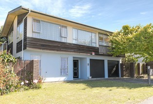 66 Discovery Drive, Whitby