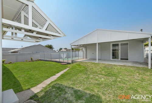 4 Middle Street, Caves Beach