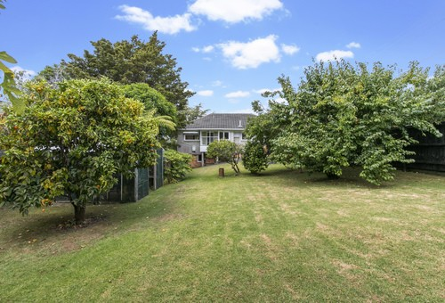 32 Woodward Avenue, Auckland