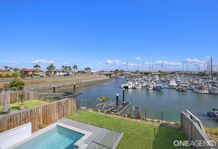 4/160 Griffith Road, Newport