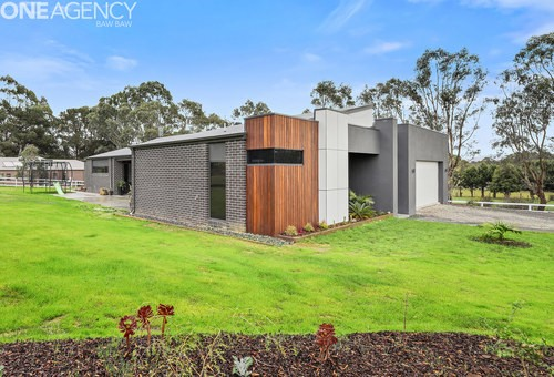 3/3 Lindenell Drive, Drouin