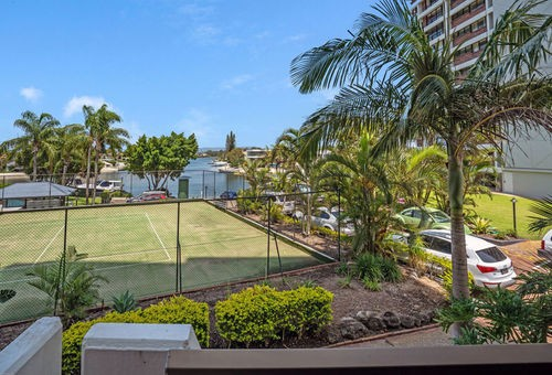 7/18 Commodore Drive, Surfers Paradise