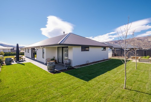 25 Olds Crescent, Cromwell