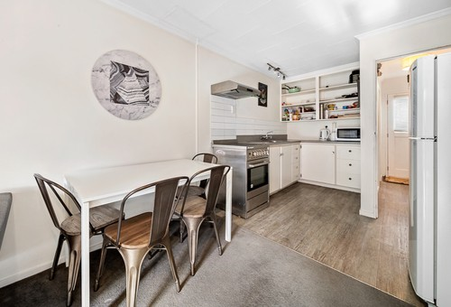 2/70 Robins Road, Town Centre