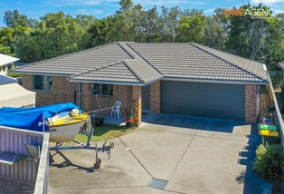 35B Electra Parade, Harrington