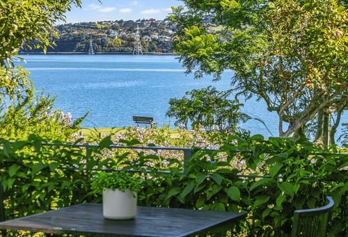 12 Kiwi Esplanade, Auckland