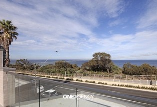95 Beach Road, Mentone