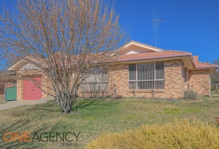 6 Angus Place, Orange