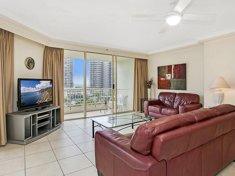 62/1 Serisier Avenue, Main Beach Residential Apartment