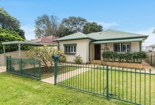 3 Storey Street, Fairy Meadow