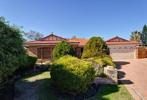 12 St Helena Way, Iluka