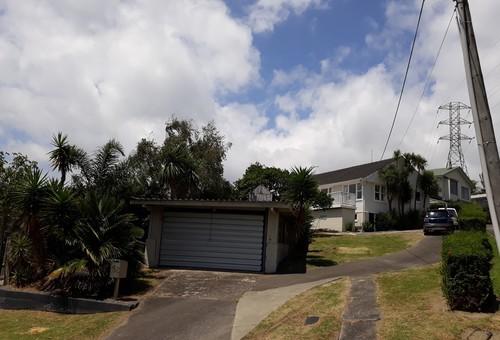 152 Tiroroa Avenue, Te Atatu South