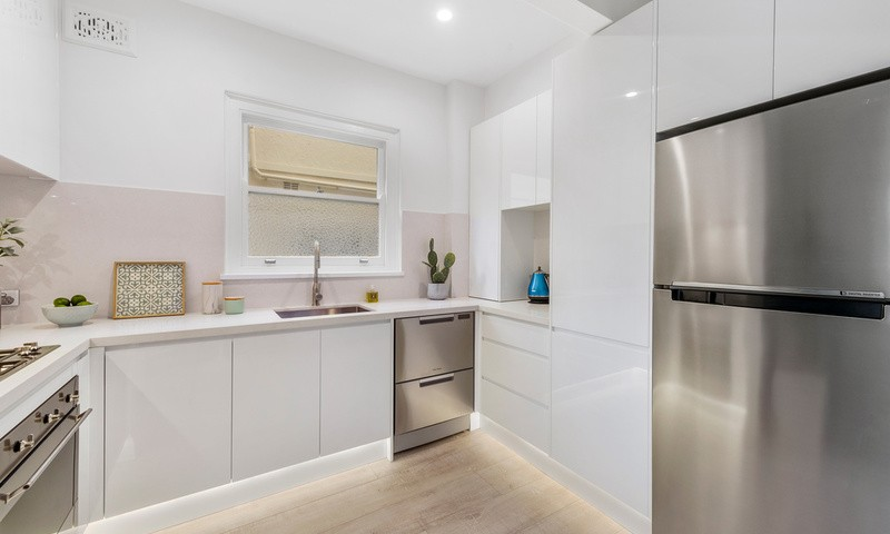 https://assets.boxdice.com.au/oz_combined_realty/listings/104/f3acdc09.jpg?crop=800x480