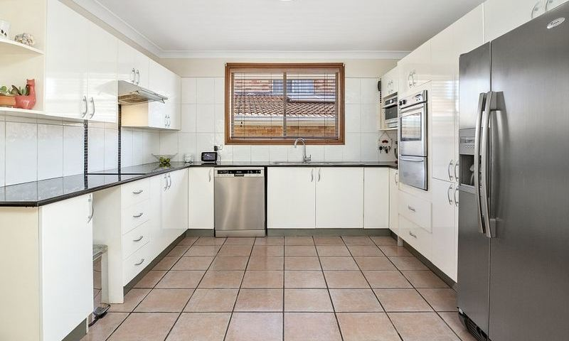 https://assets.boxdice.com.au/oz_combined_realty/listings/1055/C.1570159887.jpg?crop=800x480