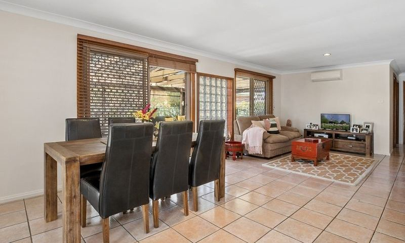 https://assets.boxdice.com.au/oz_combined_realty/listings/1055/G.1570159888.jpg?crop=800x480