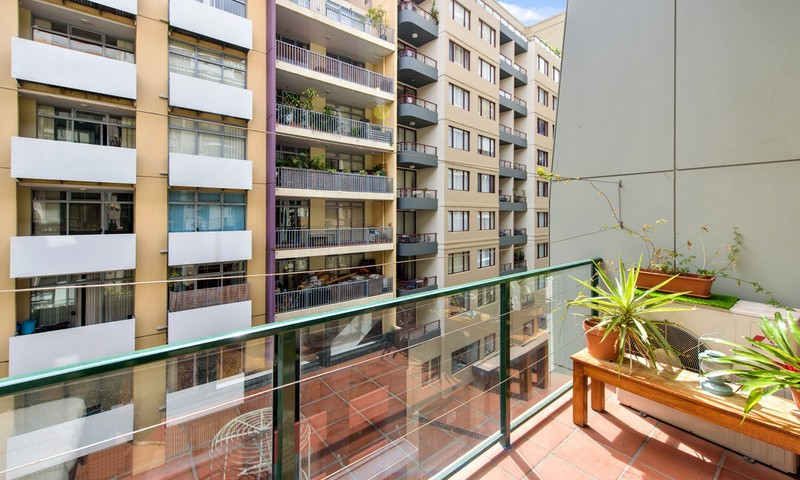 https://assets.boxdice.com.au/oz_combined_realty/listings/12/df9c4fd5.jpg?crop=800x480