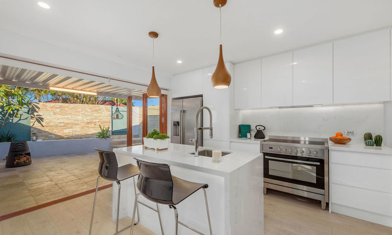 https://assets.boxdice.com.au/oz_combined_realty/listings/143/15385b10.jpg?crop=800x480