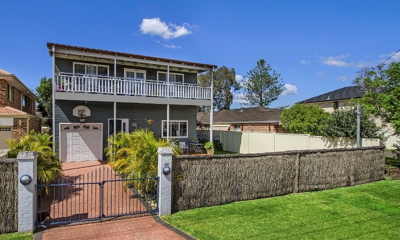 https://assets.boxdice.com.au/oz_combined_realty/listings/72/12f8b54c.jpg?crop=800x480