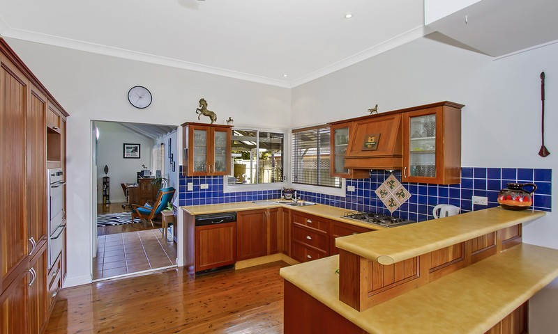 https://assets.boxdice.com.au/oz_combined_realty/listings/72/6ca7a586.jpg?crop=800x480