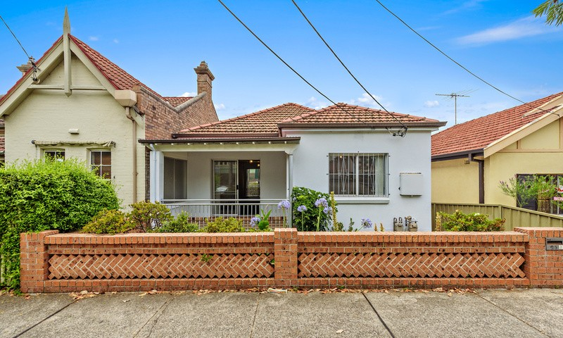 https://assets.boxdice.com.au/oz_combined_realty/rental_listings/12/34a05295.jpg?crop=800x480